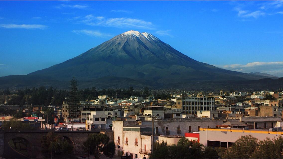 Meanwhile, 5000 miles away... #arequipa #peru