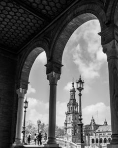 columns architecture sevilla spain black