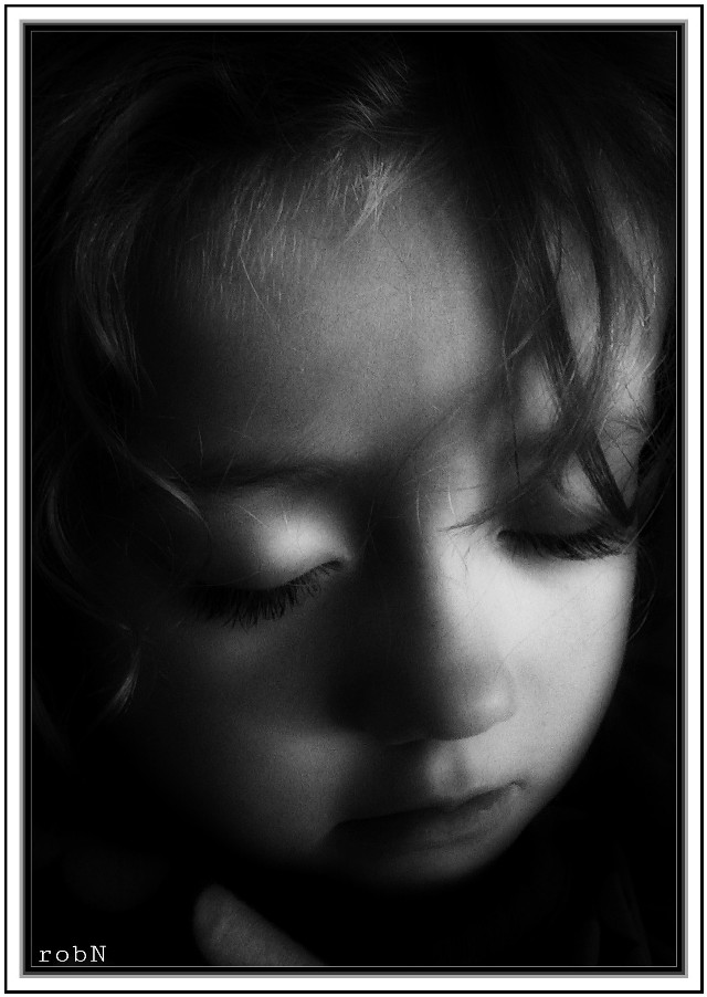 its time to say goodnight.  #blackandwhite #photography #emotion #sleepy daddy's lil girl...