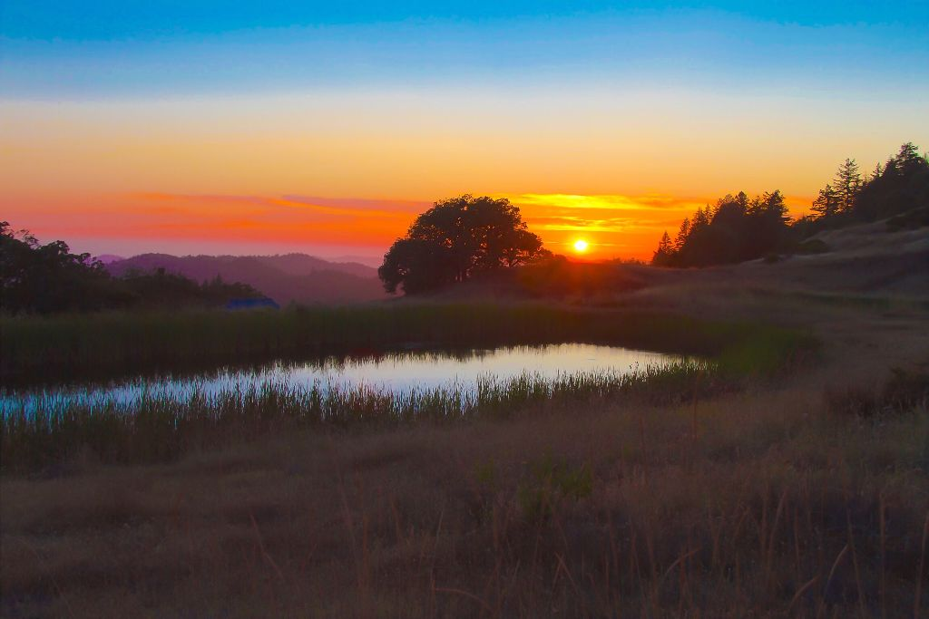 #sunset #dusk #pond #nature #colorful #mountainview #featured